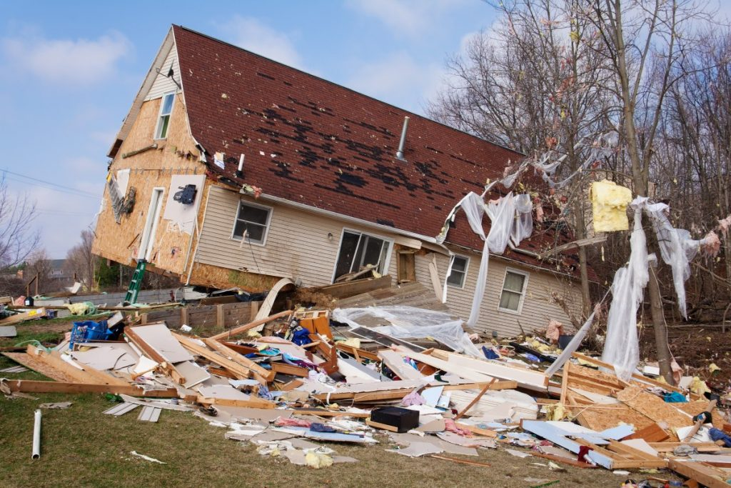 4 Factors That Could Affect Your Storm Damage Claim